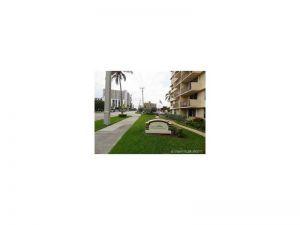 1009 N Ocean Blvd #411. Pompano Beach, Florida - Hometaurus