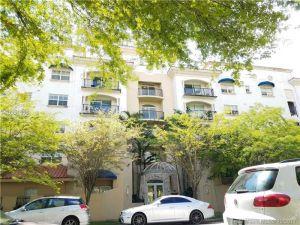 118 Zamora Ave #307. Coral Gables, Florida - Hometaurus