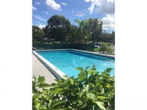 2566 Riverside Dr #323. Coral Springs, Florida - Hometaurus