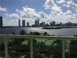 3370 Hidden Bay Dr #811. Aventura, Florida - Hometaurus