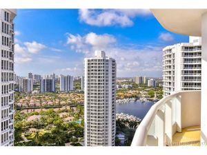 21200 NE 38th Ave #2503. Aventura, Florida - Hometaurus
