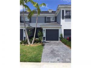 3489 NW 13th St #3489. Lauderhill, Florida - Hometaurus