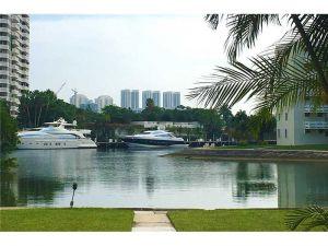 2930 Point East Dr #E201. Aventura, Florida - Hometaurus