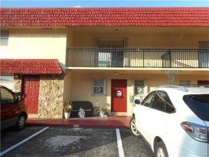 6627 SW 41st Ct #12. Davie, Florida - Hometaurus