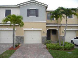 463 NE 194th Ter #463. Miami, Florida - Hometaurus