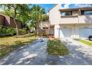 8235 NW 8 Place #1. Plantation, Florida - Hometaurus