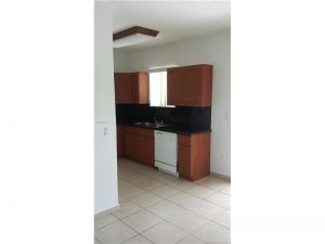 7060 NW 174th Ter #204. Hialeah, Florida - Hometaurus