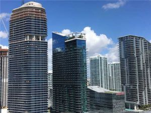 950 Brickell Bay Dr #3002. Miami, Florida - Hometaurus