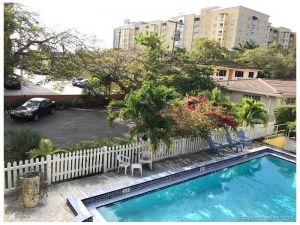 40 Salamanca Ave #7. Coral Gables, Florida - Hometaurus