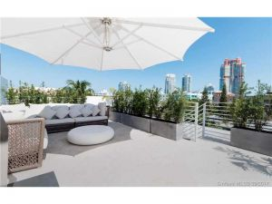 234 Meridian Ave #5. Miami Beach, Florida - Hometaurus