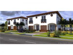 1700 Madison St #1-4. Hollywood, Florida - Hometaurus