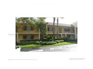 118 Meadows Cir #118. Boynton Beach, Florida - Hometaurus