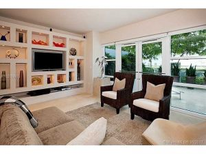 6103 Aqua Avenue #102. Miami Beach, Florida - Hometaurus
