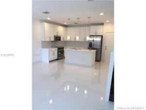 2621 NE 212 Terrace #211. Aventura, Florida - Hometaurus