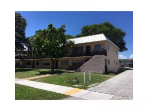 207 NW 32nd Ct #210. Pompano Beach, Florida - Hometaurus