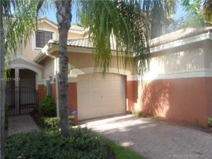 3854 Tree Top Dr #3854. Weston, Florida - Hometaurus