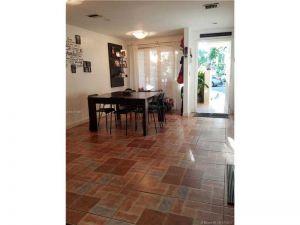 841 NW 80th Ter #8. Plantation, Florida - Hometaurus