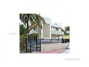 428 Collins Ave #6. Miami Beach, Florida - Hometaurus