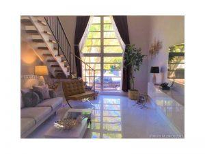234 Antiquera Ave #15. Coral Gables, Florida - Hometaurus