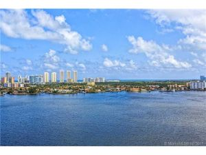 17301 NE Biscayne Blvd #1703. North Miami Beach, Florida - Hometaurus
