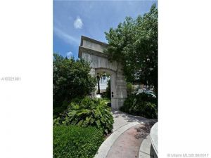 55 Merrick Way #828. Coral Gables, Florida - Hometaurus