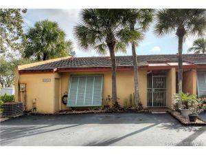 8336 Dundee Ter #8336. Miami Lakes, Florida - Hometaurus