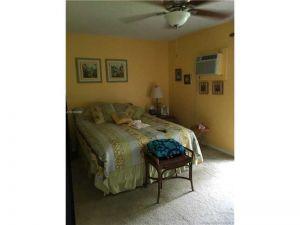 93 Fanshaw C #93. Boca Raton, Florida - Hometaurus