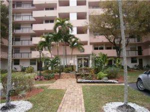 3841 Environ Blvd #531. Lauderhill, Florida - Hometaurus