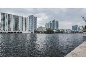 1000 Parkview #218. Hallandale, Florida - Hometaurus