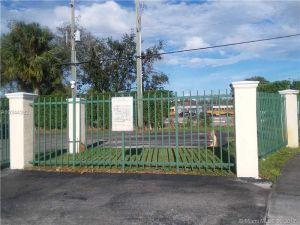 6763 NW 182nd St #108. Hialeah, Florida - Hometaurus