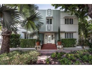 359 Meridian Ave #A-107. Miami Beach, Florida - Hometaurus