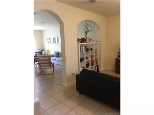9210 SW 170th Ct. Miami, Florida - Hometaurus