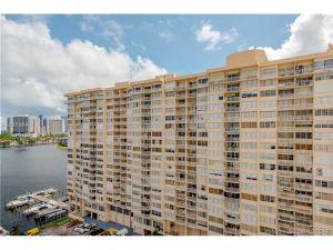2750 NE 183rd St #1512. Aventura, Florida - Hometaurus