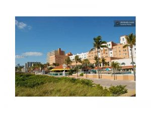101 N Ocean Dr #426. Hollywood, Florida - Hometaurus