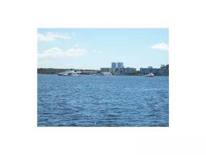 2920 E Point East Dr #N-508. Aventura, Florida - Hometaurus