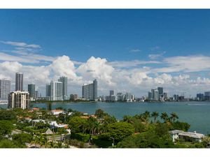 1000 Venetian Wy #1012. Miami Beach, Florida - Hometaurus