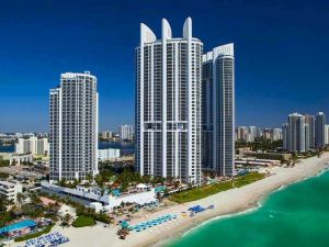 18001 Collins Av 2104/2105 #2104-5. Sunny Isles Beach, Florida - Hometaurus