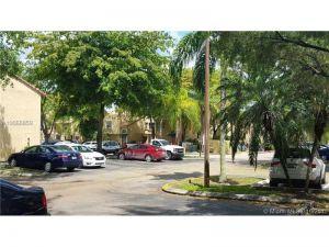 4609 NW 97th Ct #1. Doral, Florida - Hometaurus