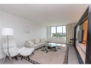 1100 West Ave #521. Miami Beach, Florida - Hometaurus