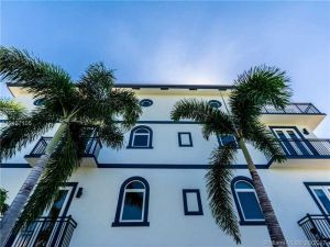 812 NE 7th St #A. Fort Lauderdale, Florida - Hometaurus