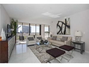 3000 Island Blvd #803. Aventura, Florida - Hometaurus