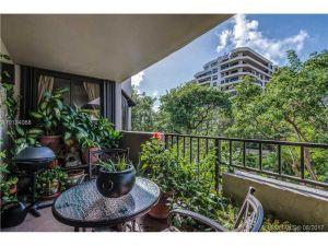 161 Crandon Bl #319. Key Biscayne, Florida - Hometaurus