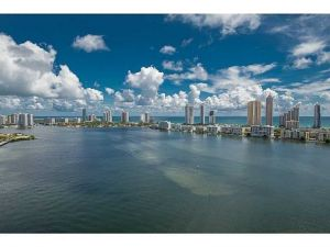 2600 Island Bl #2705. Aventura, Florida - Hometaurus