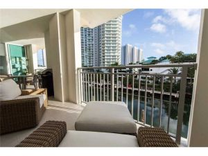 250 Sunny Isles Blvd #Th-307. Sunny Isles Beach, Florida - Hometaurus