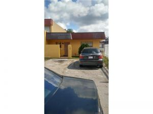 612 NW 179th St #612. Miami Gardens, Florida - Hometaurus