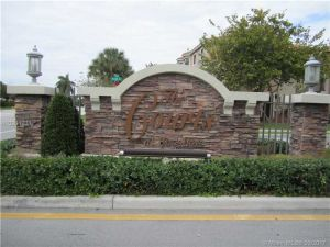22811 SW 88th Pl #4-22. Cutler Bay, Florida - Hometaurus