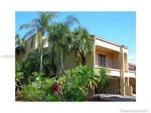 3557 Estepona Av #25-b-1. Doral, Florida - Hometaurus