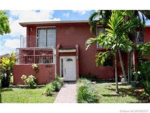 3860 SW 107th Ave #1-11. Miami, Florida - Hometaurus