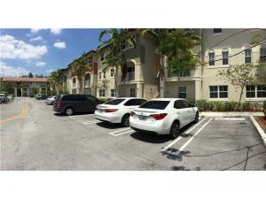 8900 NW 97th Ave #202. Doral, Florida - Hometaurus