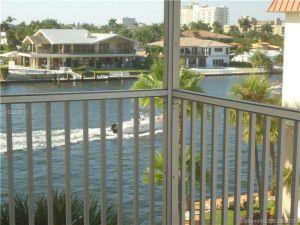 2097 S Ocean Dr #403. Hallandale, Florida - Hometaurus